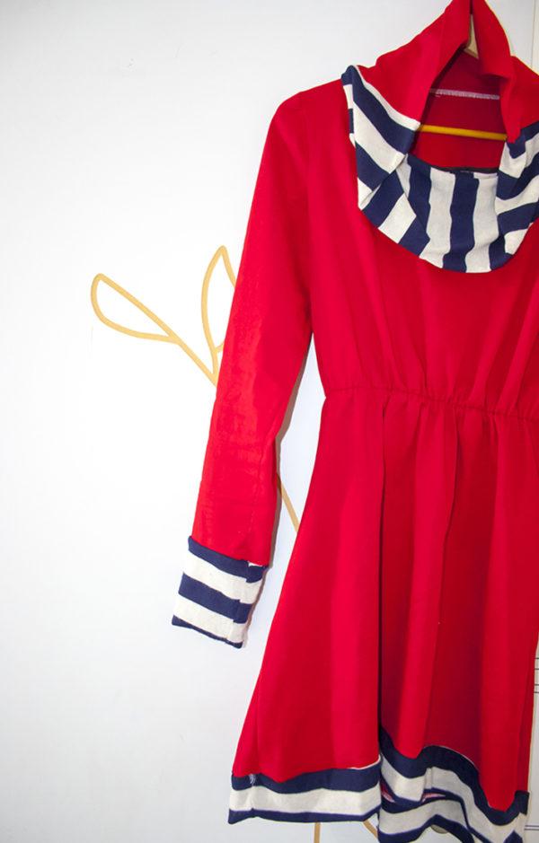 robe rouge col roulé