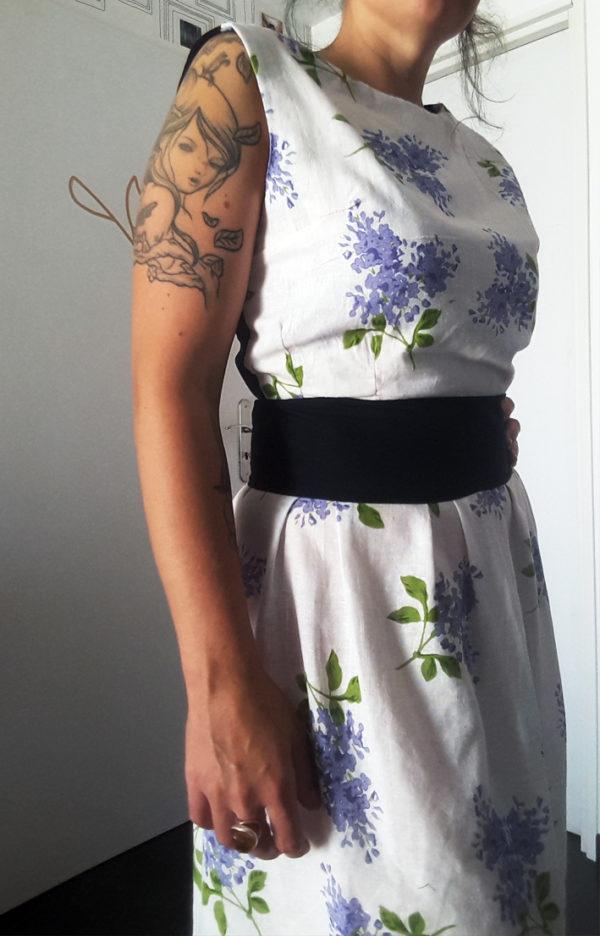 robe dos nu avec ceinture intégrée