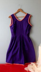 robe style années 50 violette avec ceinture