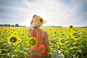 choisir le couleur de vos vêtements en été