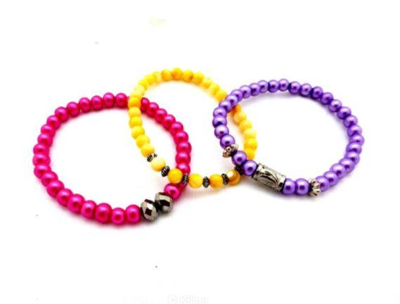bracelets en perle jaune violet et rose
